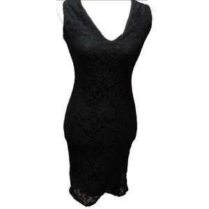 LOVE CHELSEA | Black dress with lace overlay | L